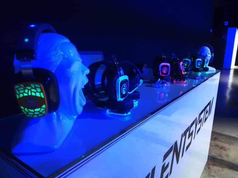 Global Headphones Provider